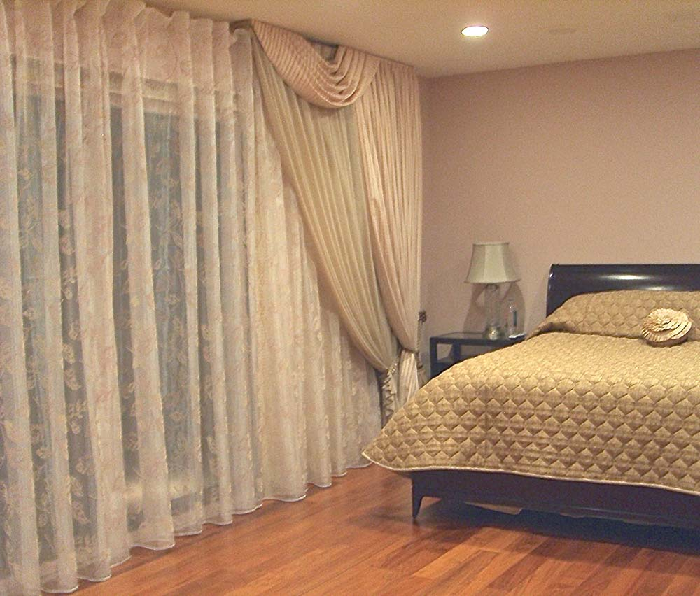 Modern Bedroom Window Treatment