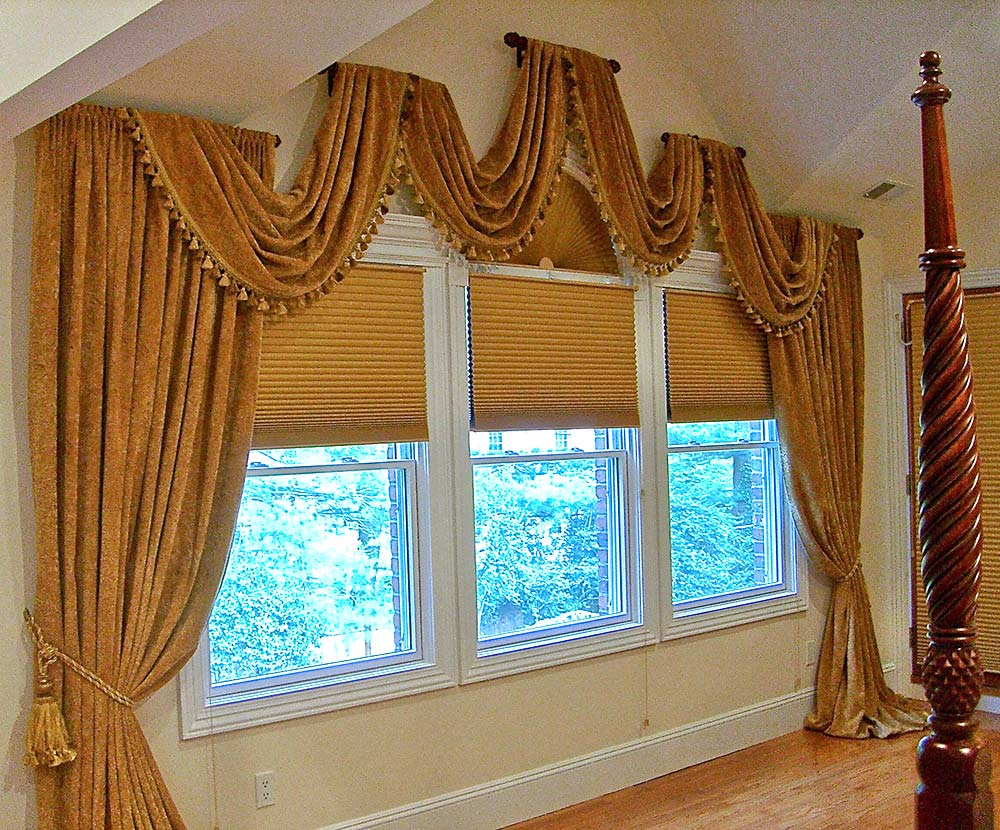 Transitional Bedroom Window Treatment