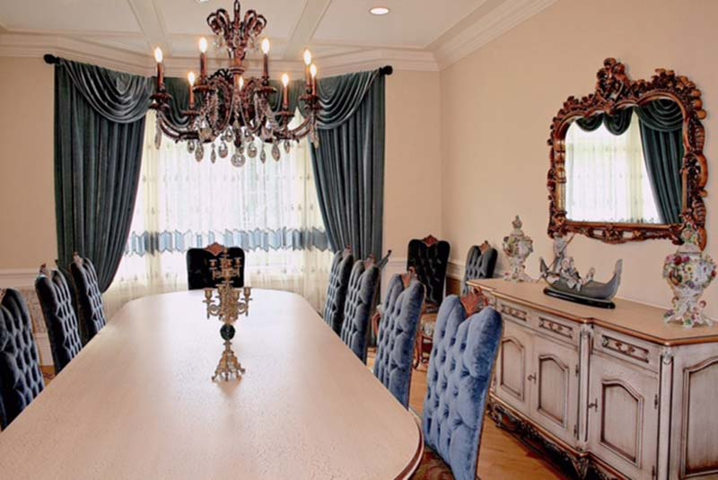 Traditional Dining Room Window Treatment